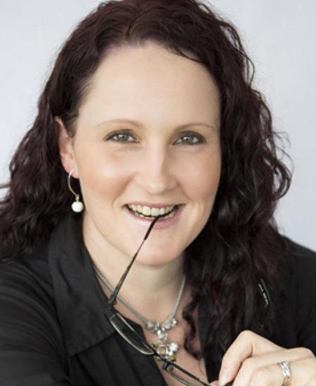Katrina Davidson - Corporate Comedians
